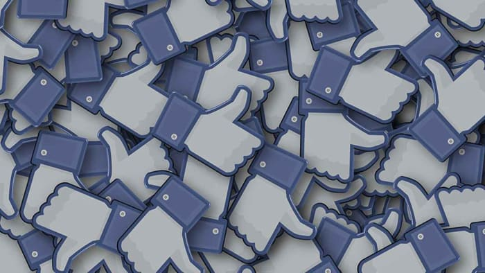 Lots of Facebook like buttons