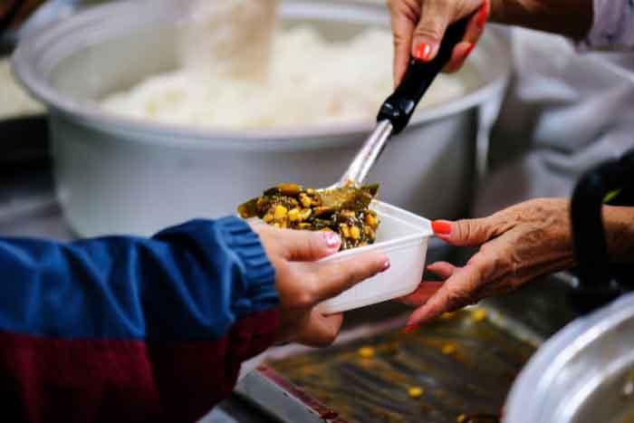 charity food line