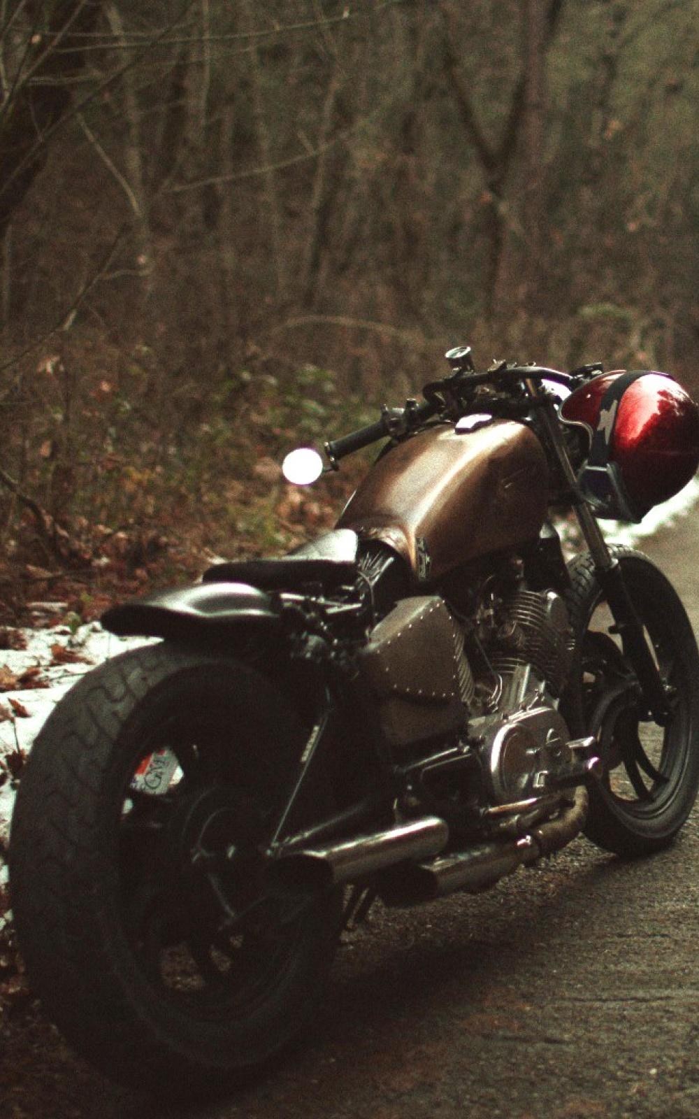 Fondo de pantalla con moto de montaña