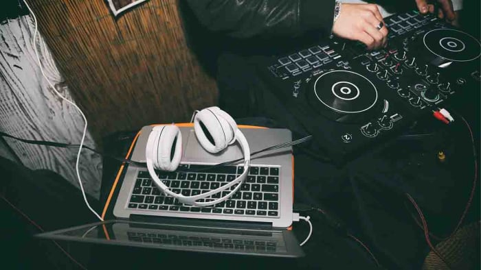Best YouTube video DJ guides